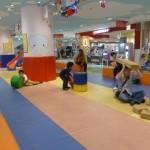 【熊谷】ニットーモール3F「こどものひろば」は、赤ちゃんから幼稚園児まで遊べる無料キッズスペース